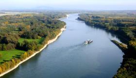 العواصم التي يمر بها نهر الدانوب