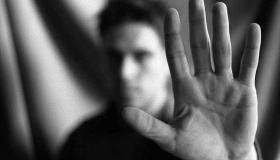 لابد أن تكون واعيًا.. أهم الخطوات لتتخلص من عاداتك السيئة