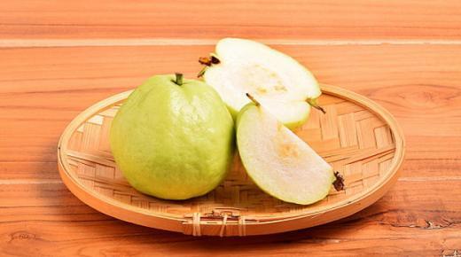 فوائد الجوافة الصحية وفوائد ورق الجوافة