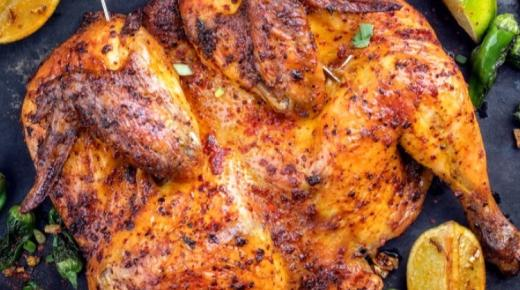 الدجاج المشوي طريقة سهلة وتتبيلة رائعة