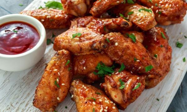 4 طرق لتحضير أجنحة الدجاج