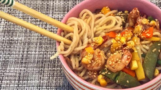 لست مضطر لتناول في المطاعم.. طريقة تحضير النودلز الصيني الشهي