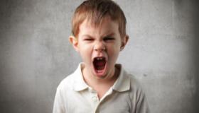 السلوك العدواني عند الأبناء وكيفية علاجه؟