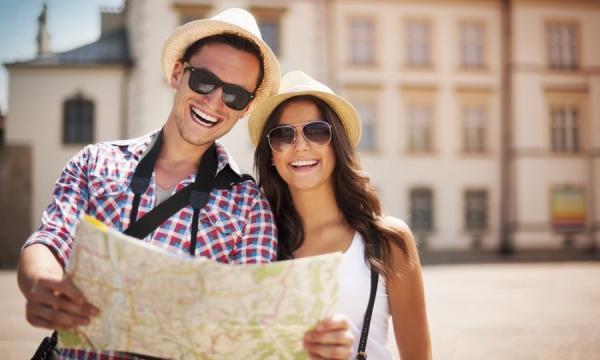 أسباب تجعل سفر الشريكين معا جيدا للعلاقة