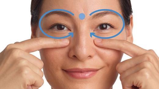 خطوات عمل مساج للوجه للتخلص من التجاعيد وتحسين مظهر البشرة