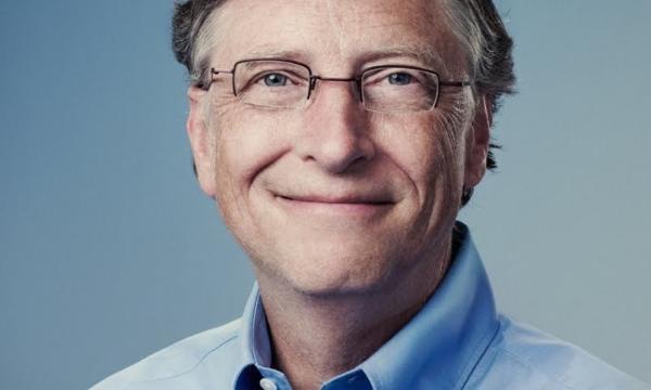 بيل جيتس وقمة النجاح في صناعة البرمجيات