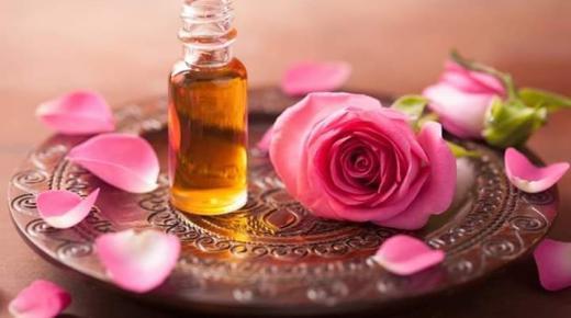فوائد ماء الورد التجميلية للبشرة