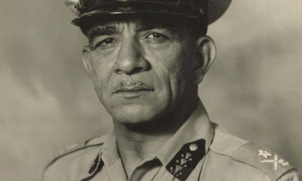 """اللواء محمد نجيب .. مسيرة جسدها كتاب """"كنت رئيسًا لمصر"""""""