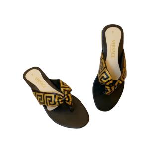 VERSACE slippers in pakistan