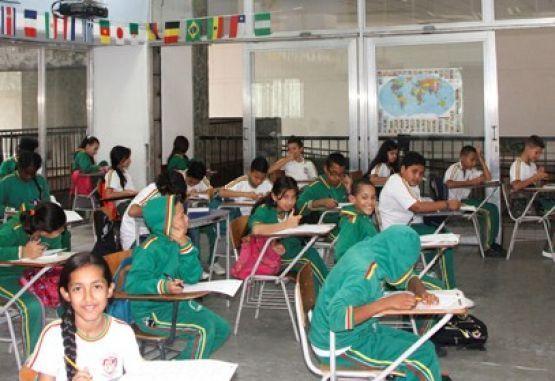 Estudiantes colegios Medellin