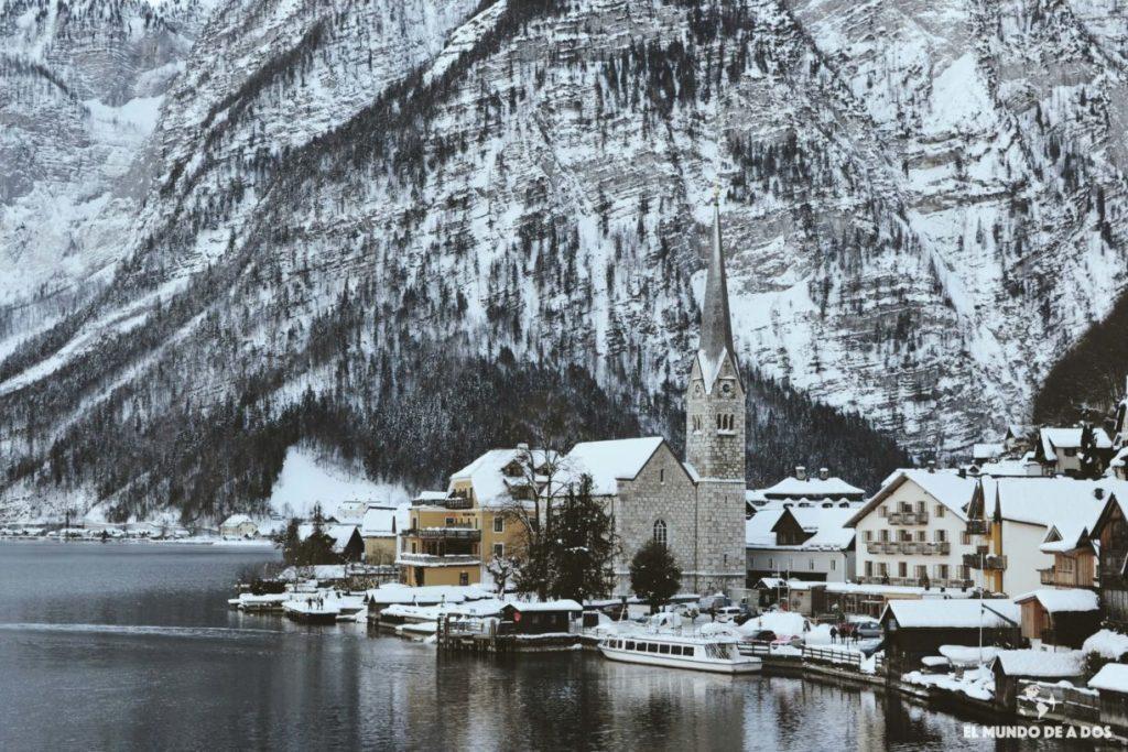 La iglesia de Hallstatt. Hallstatt en invierno