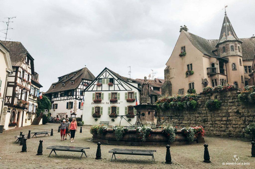Plaza de San León. Eguisheim Francia