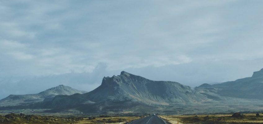 Ruta hacia la montaña. Ruta por Islandia en 10 días