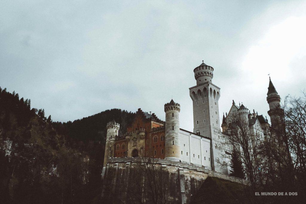 Desde un mirador. Neuschwanstein, castillo del rey loco
