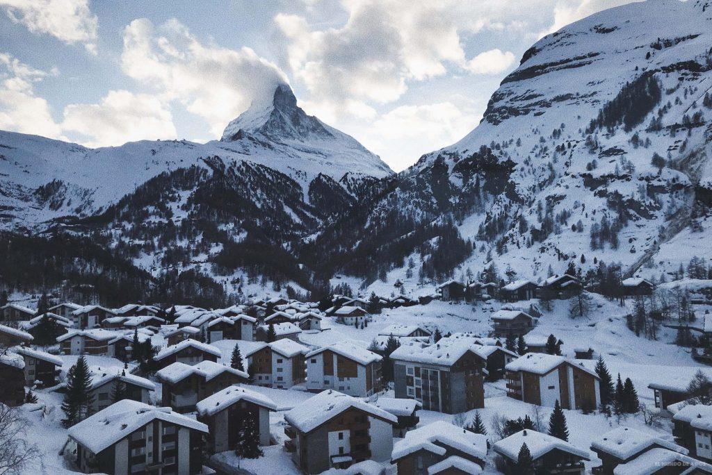 El monte Cervino desde Zermatt. Suiza en invierno