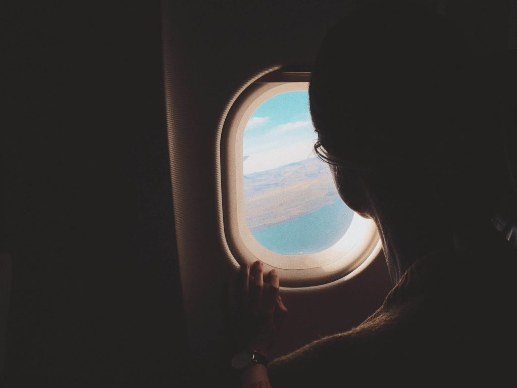 Por qué hay que abrir las ventanillas? Curiosidades de la aviación.