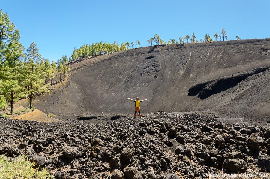 Ruta de Senderismo del Montañón Negro - campo de bombas volcánicas
