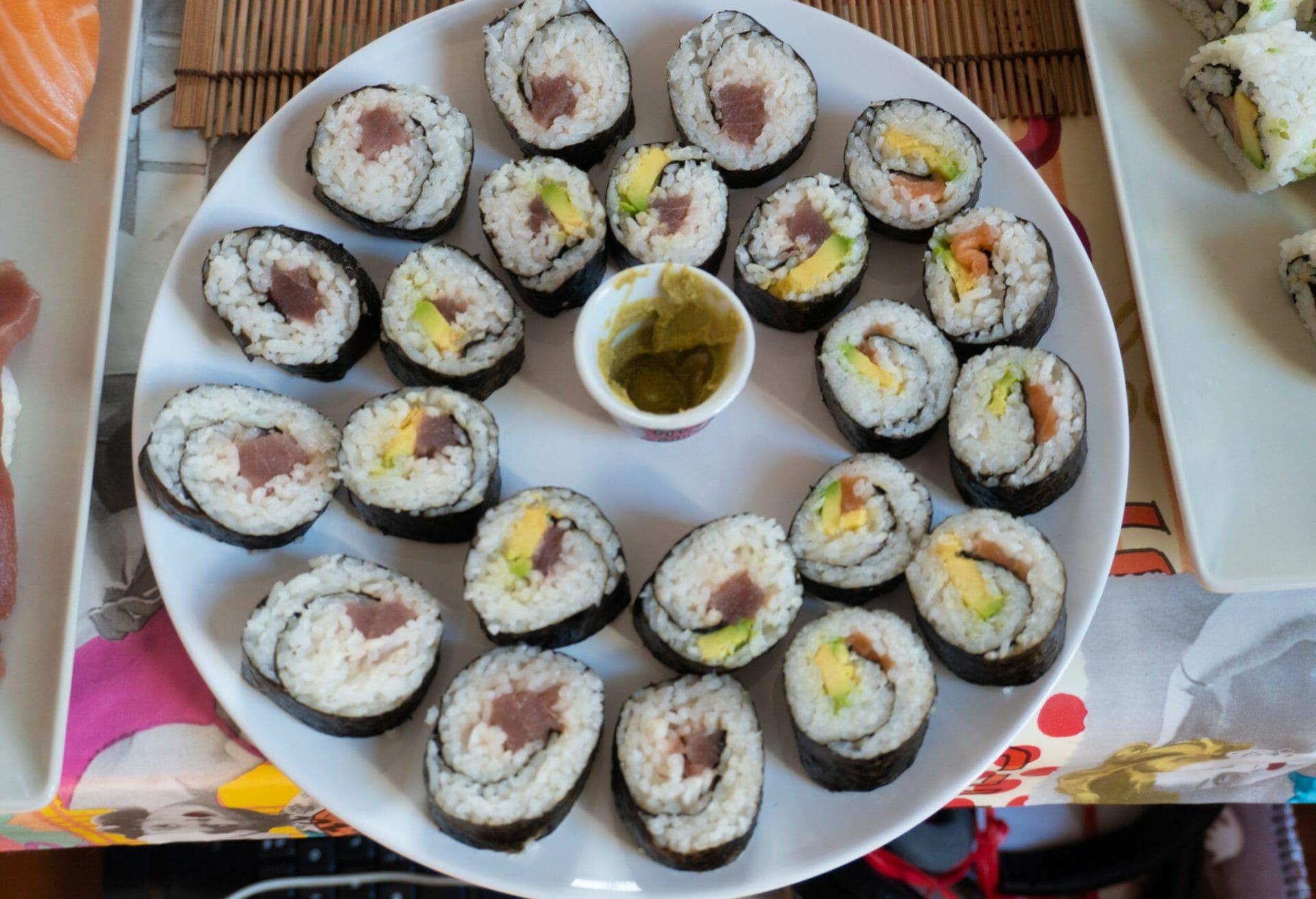 Plato sushi makis