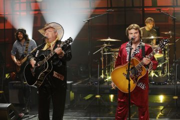 Tenacious D en The Tonight Show with Jay Leno - (Foto por: Paul Drinkwater/NBC/NBCU Photo Bank)