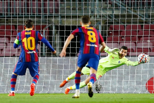messi penal pjanic champions efe