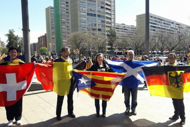 banderes manifestació 15 A