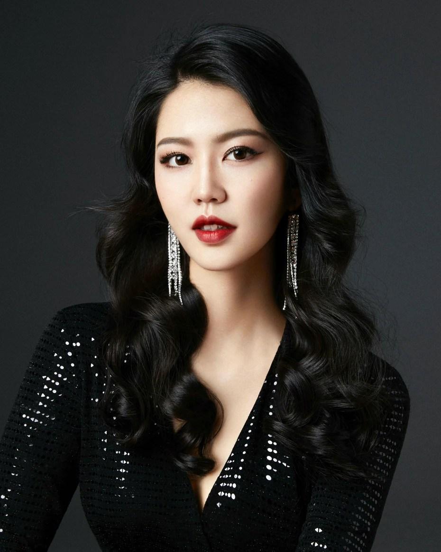 China, Jiaxin Sun, 23 años.