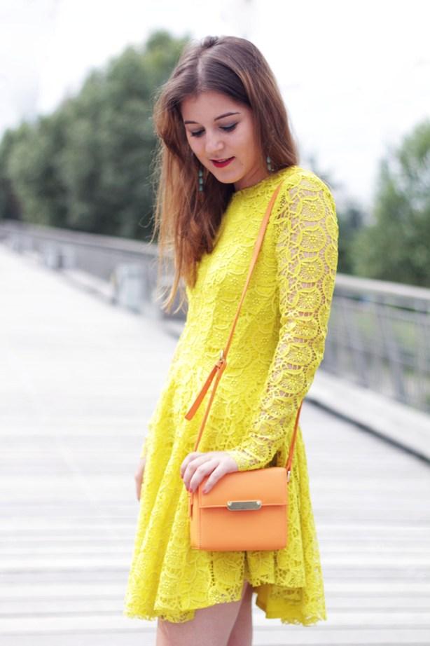 look robe jaune