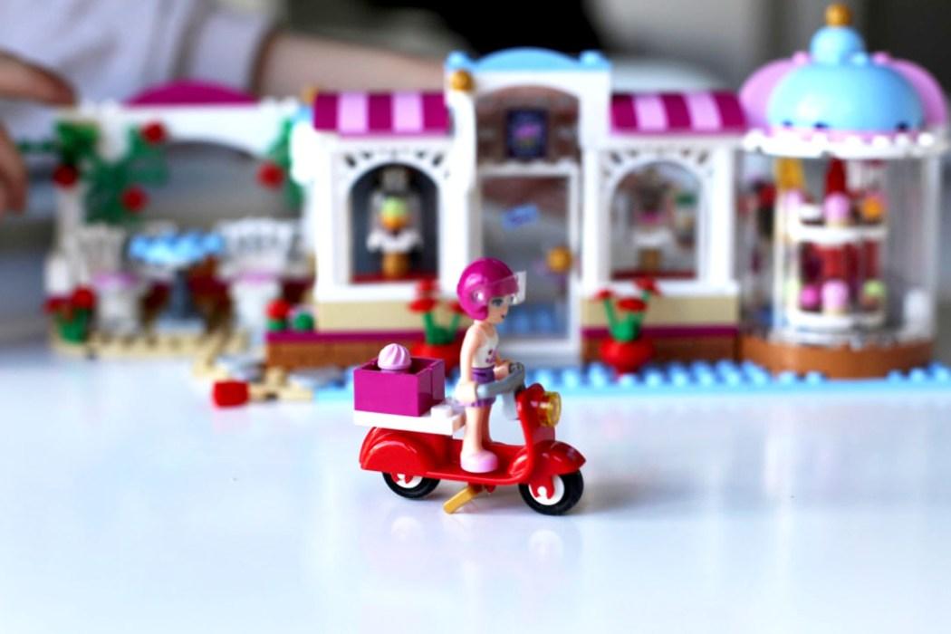 160425 legofriends cupcake 7 Ca casse les briques : Le cupcake Café d'Heartlake City Legofriends