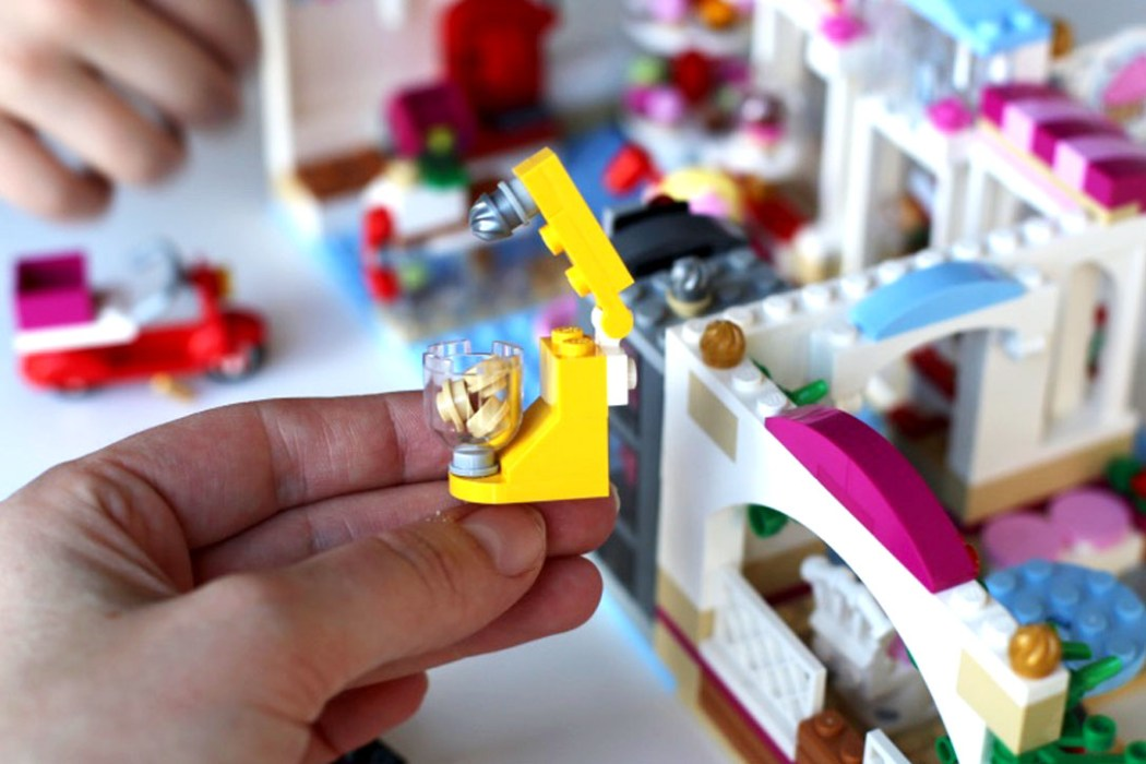 160425 legofriends cupcakes boutique Ca casse les briques : Le cupcake Café d'Heartlake City Legofriends