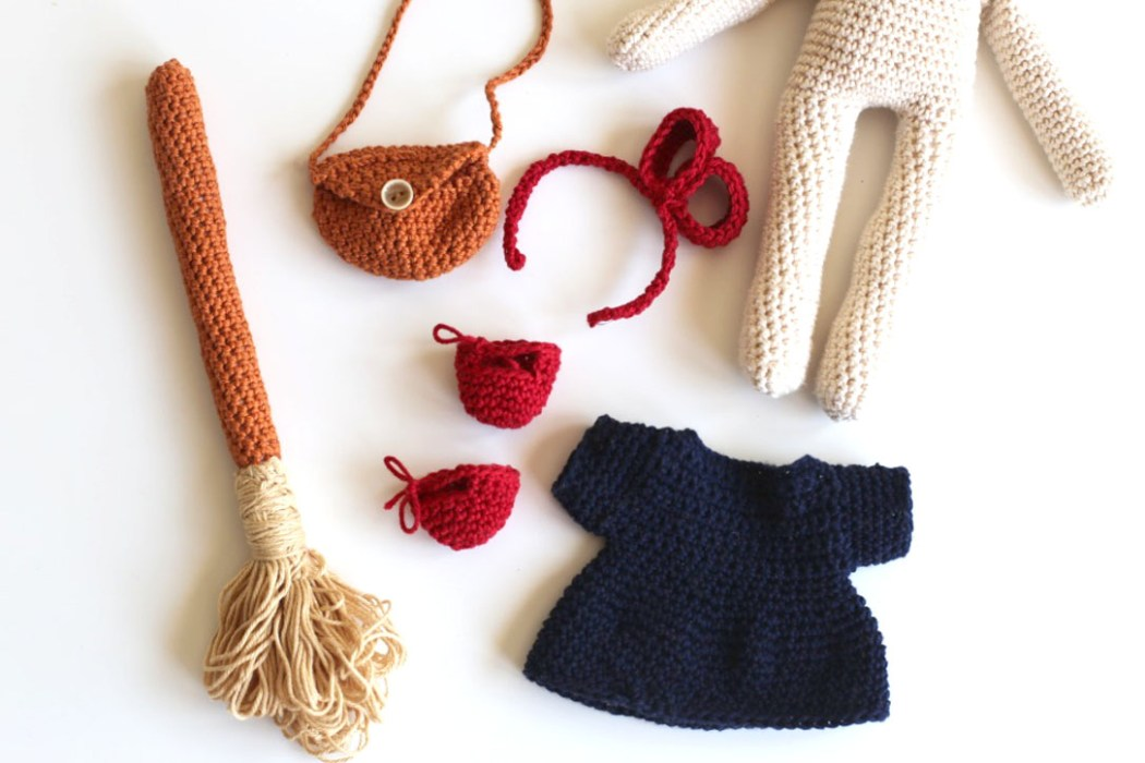 160508 ma poupee kiki la petite sorciere au crochet accessoires Une poupée Kiki la petite sorcière au crochet