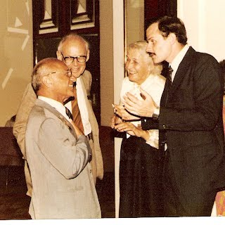 Alejandro Chafuén, junto a Milton Friedman