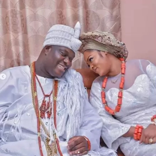 Ooni Of Ife & Wife, Naomi Can't Take Their Eyes Off Each Other At Esther  Ajayi's Church – ElorasBlog
