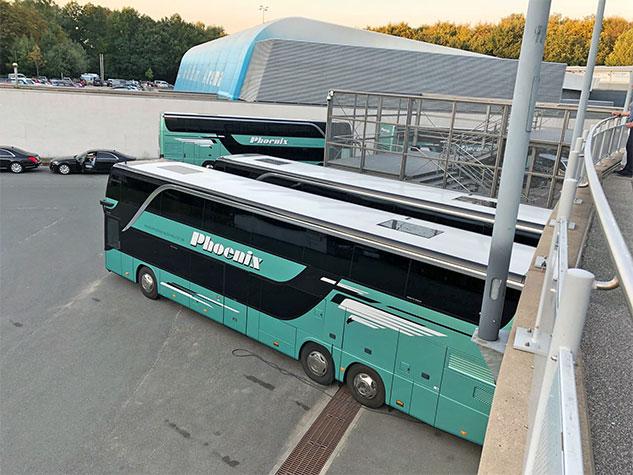 vehículos autobús trailers