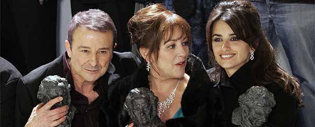 Juan Diego, Carmen Maura y Penélope Cruz posan con sus galardones