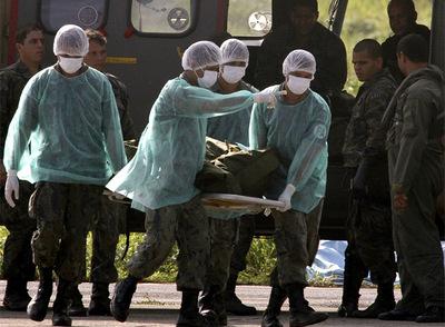 Brasil rescata otros tres cadáveres
