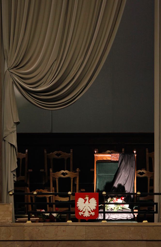 Polonia llora a Kaczynski  - La silla del Presidente