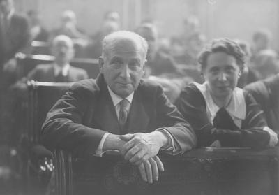 La minoría socialista en el Congreso en 1918; Saborit, Anguiano, Largo Caballero, Indalecio Prieto, Julian Besteiro y Pablo Iglesias