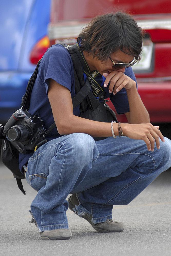 Un fotógrafo del 'Diario de Juárez' llora la muerte de su compañero Luis Santiago