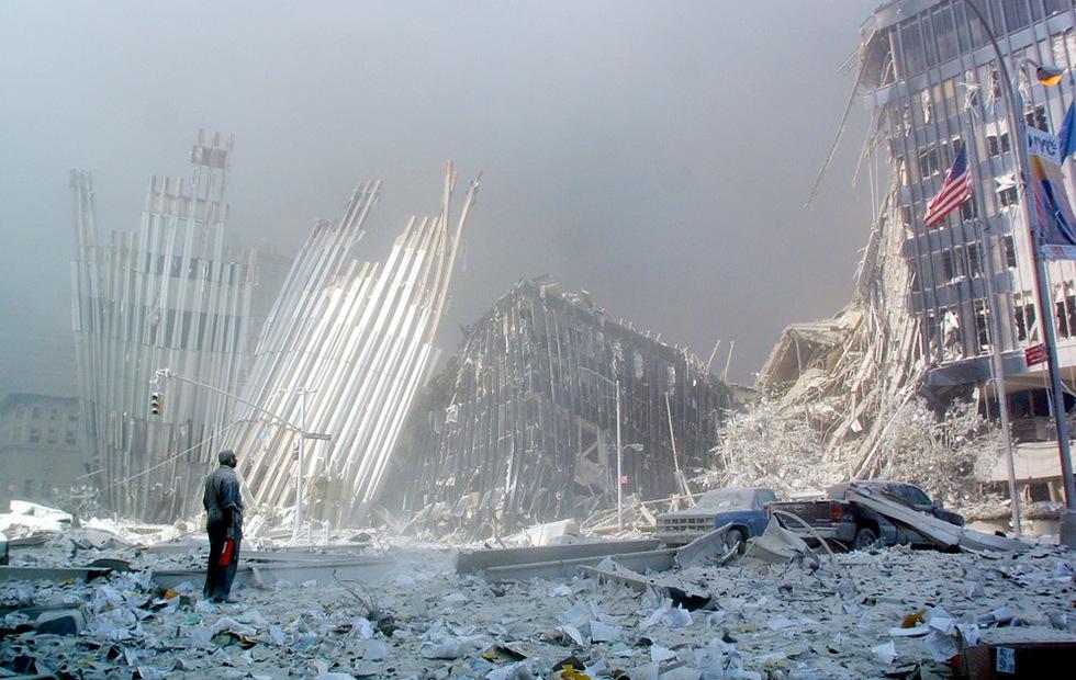 Los atentados del 11-S  - En busca de supervivientes entre los escombros