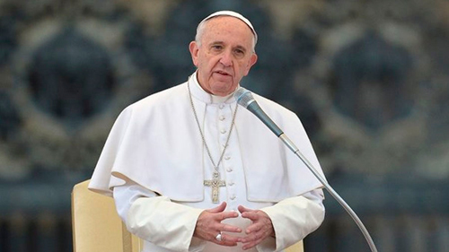 El Papa expresó su dolor por el reclutamiento de niños para ser soldados