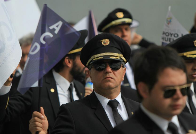 Aumentan a 74 los pilotos despedidos por Avianca