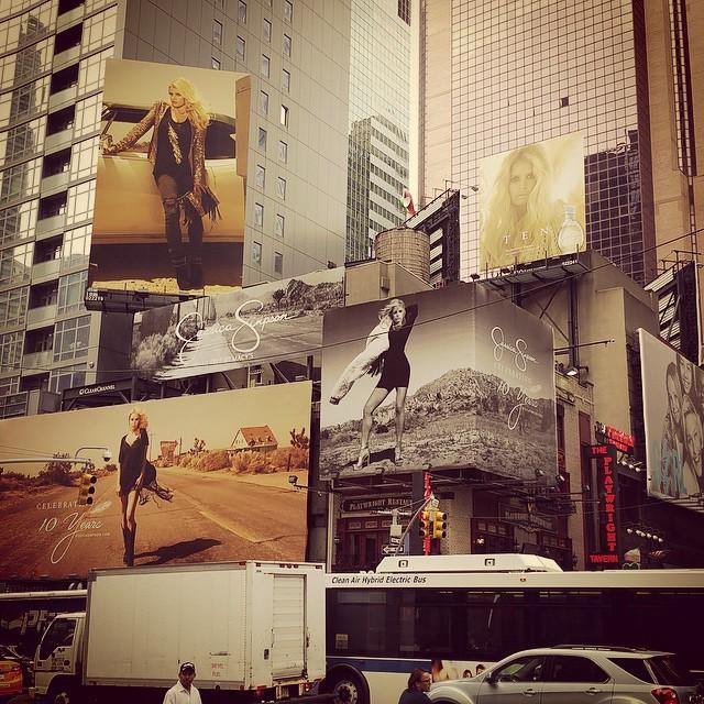 """Desde su cuenta de instagram mostró orgullosa las imagenes de """"Times Square"""" Nueva York."""
