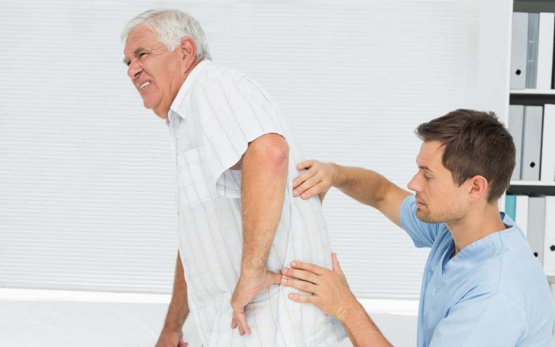 Riduzione dei sintomi della degenerazione spinale con molteplici modalità