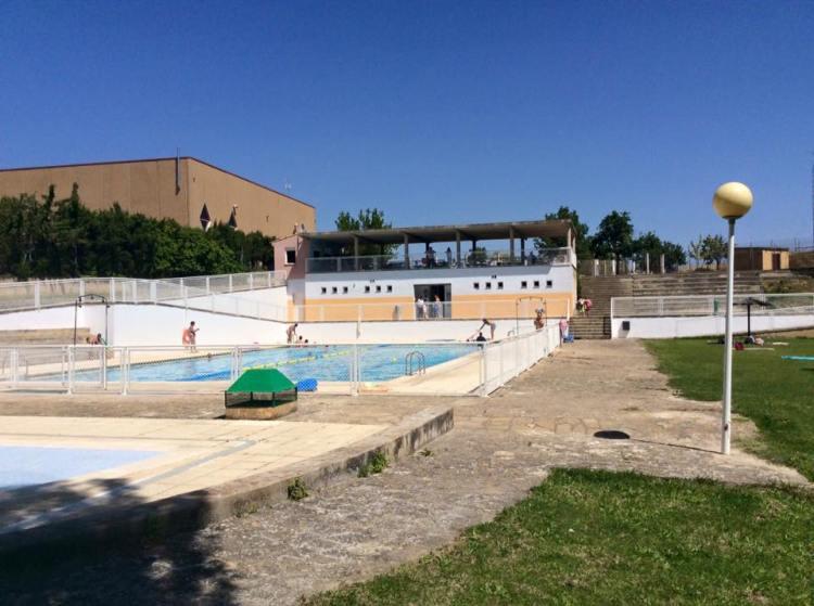 piscina municipal sos del rey catolico - hotel el peiron 2