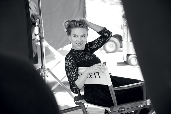dolce-and-gabbana-scarlett-johansson-matthew-mcconaughey-the-one-campaign_adv_backstage-by-peter-lindbergh-1