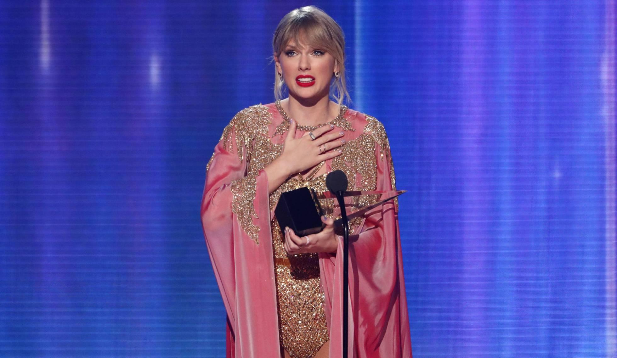 Taylor Swift bate récord de Michael Jackson y se convierte en artista de la  década
