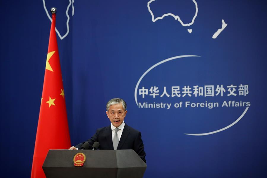 WU HONG Temática: Política » Asuntos exteriores CHINA EEUU China niega que su consulado en Houston haya robado propiedad intelectual El portavoz del Ministerio de Asuntos Exteriores chino Wang Wenbin. EFE/EPA/WU HONG