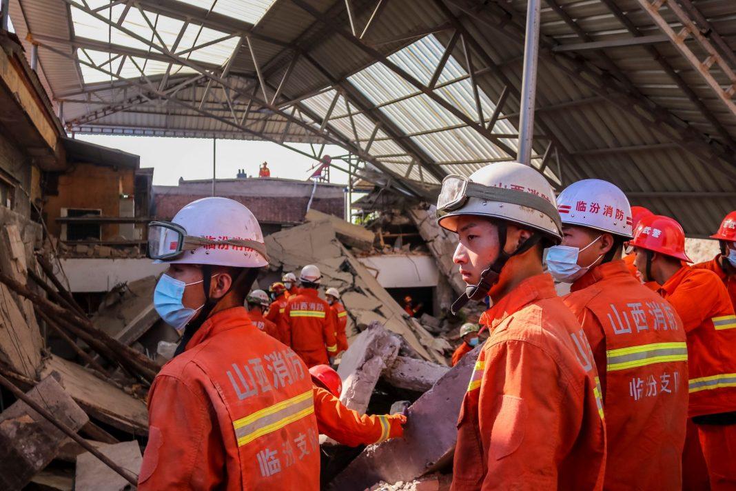 derrumbe de restaurant deja 29 muertos y 28 heridos en Chenzhuang