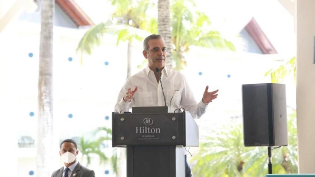 Abinader preside inauguración de complejo hotelero Hilton en La Romana