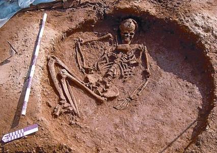Entierro neolítico de la excavación arqueológica en las obras del AVE en la estación de Sant Andreu Comtal.